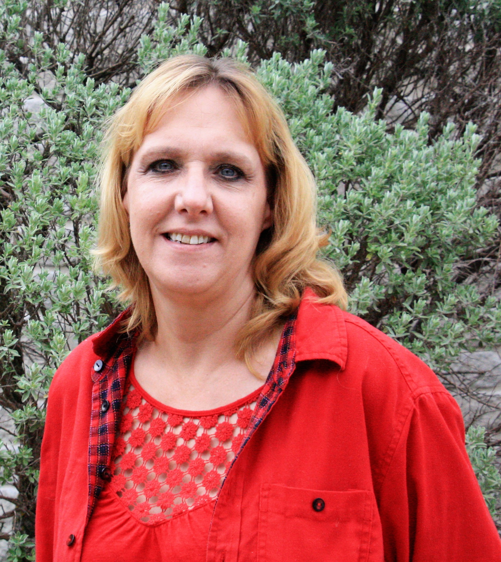 Sandy Robbins<br>Bandera Branch Office Manager