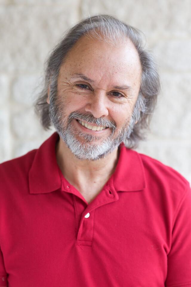 Julio Betancourt<br>RN